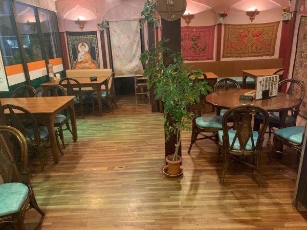 店内のテーブルをリニューアル_1