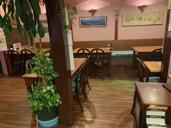 店内のテーブルをリニューアル_2